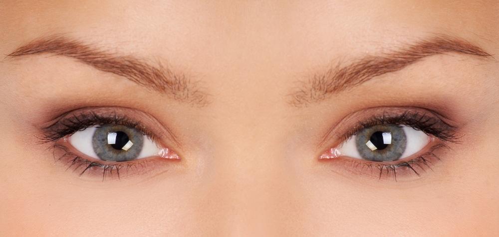 Esthétique du sourcil - Docteur Diacakis